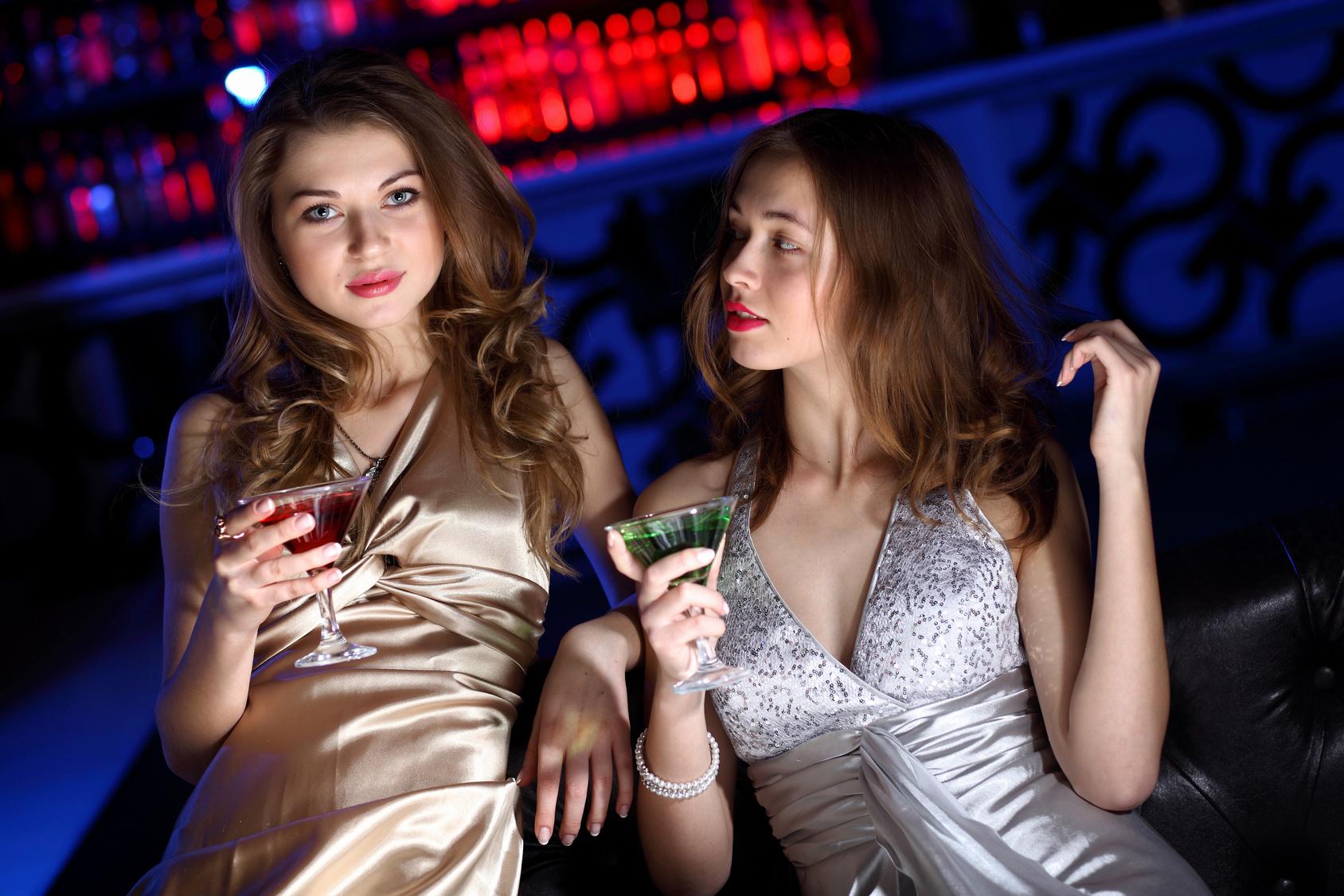 Телки вип клубах, Вечеринка в клубе - 61 видео. Смотреть вечеринка в клубе 14 фотография