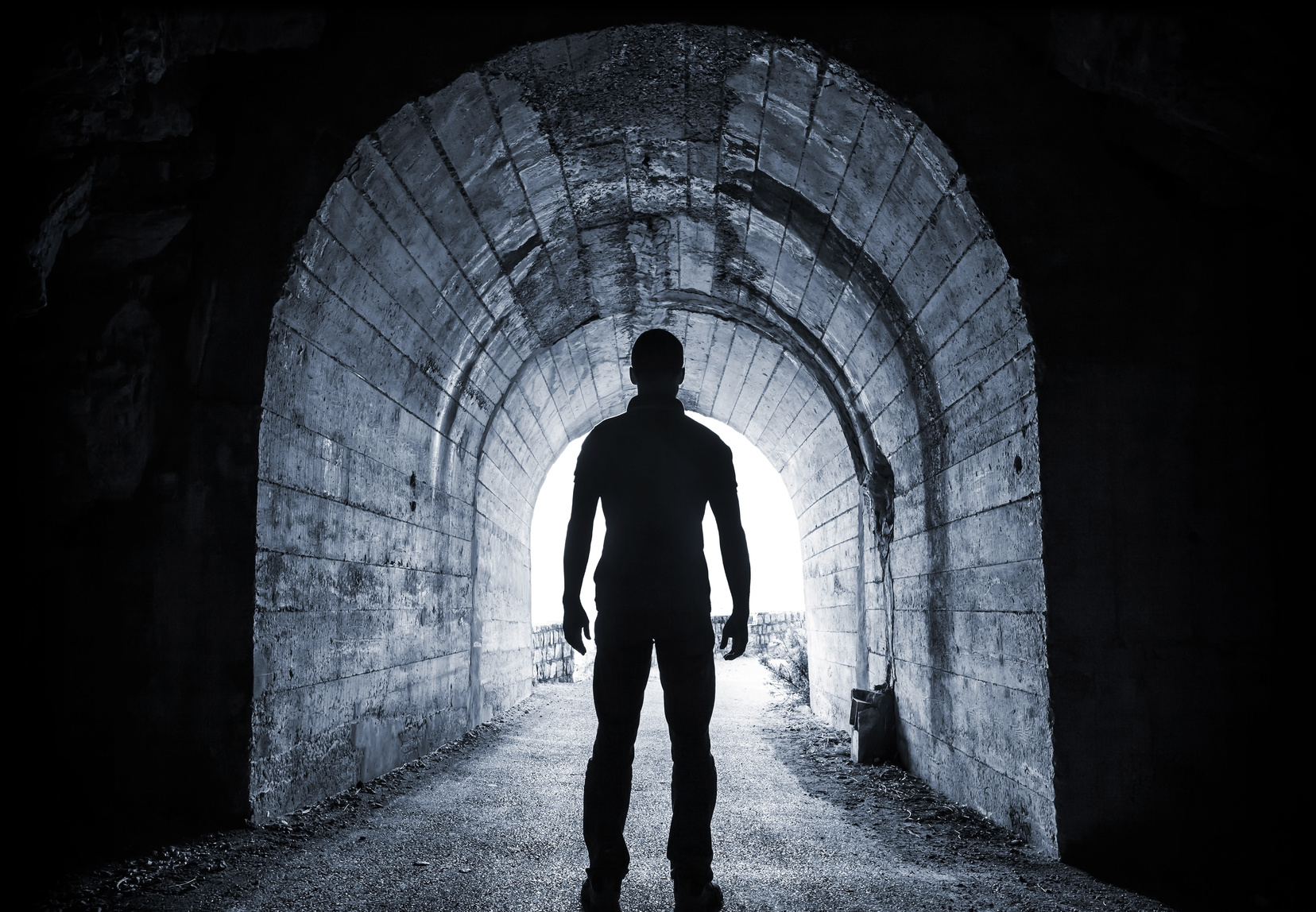 Dunkler Tunnel