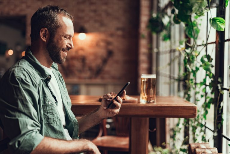 Dating, Texting & Messaging In-Between Dates