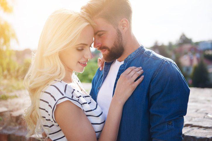 Dating a rebound women